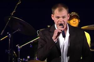 Алексей Брянцев © Скриншот видео «Брянцев концерт в МКЦ», https://www.youtube.com/watch?v=r_ZBWkb-Hos