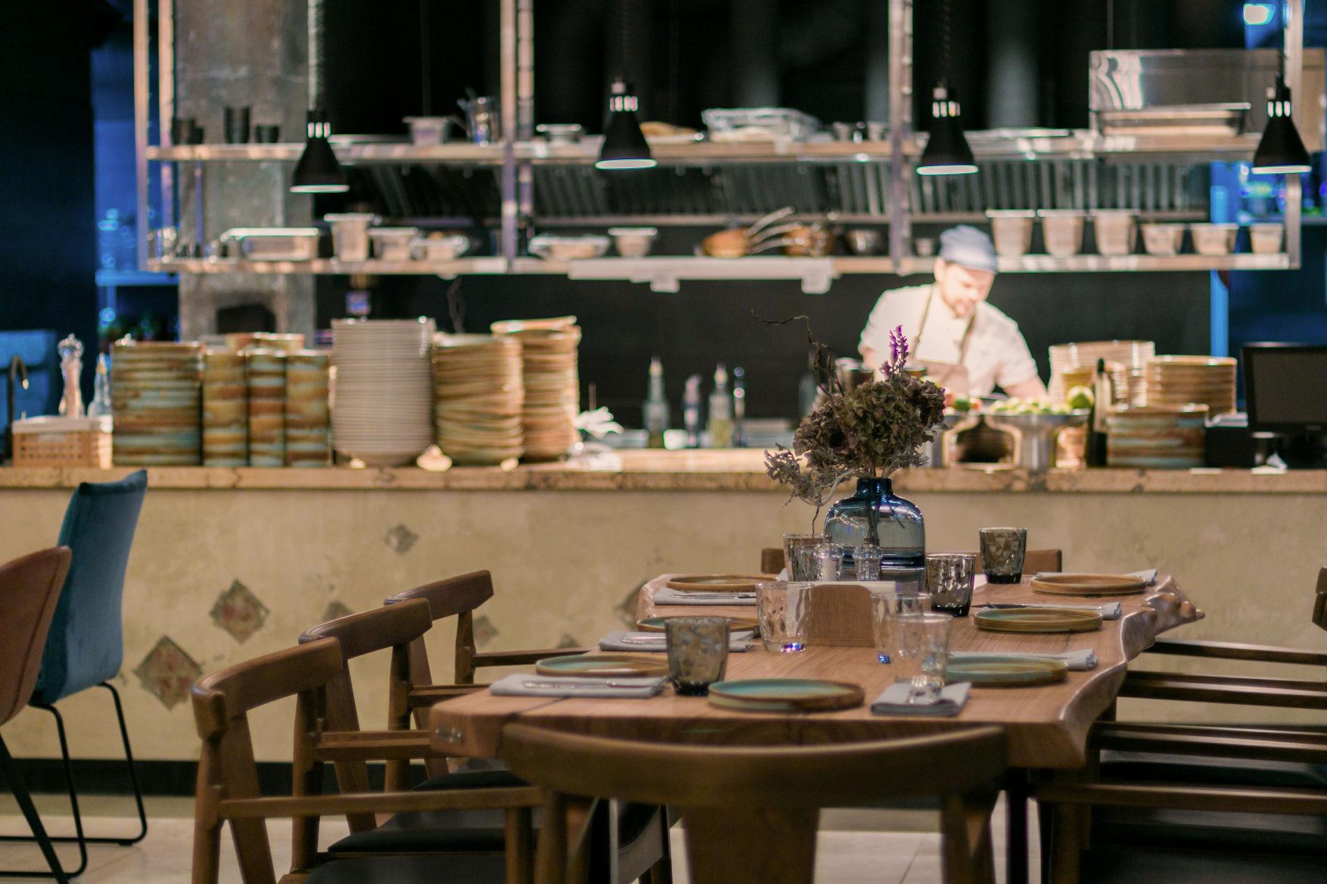 Открытая кухня ресторана «Голый повар» ©Фото ресторана «Голый повар»
