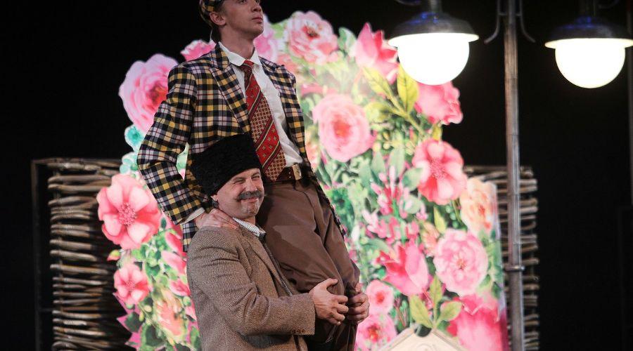 Кадр из спектакля «Кубанские казаки» © Фото со страницы Театра драмы «ВКонтакте» vk.com/dram_teatr