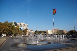 Фонтан на Главной городской площади © Фото Елены Синеок, Юга.ру