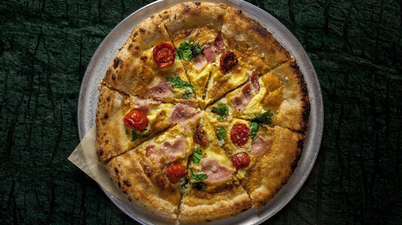 Пицца «Карбонара» ©Фотография предоставлена пиццерией Bikini