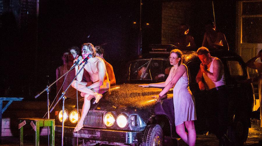 Кадр из спектакля «Медея» © Фото Нелли Кузовниковой, Юга.ру