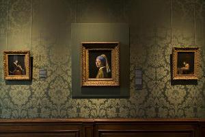 Кадр из фильма-выставки «Девушка с жемчужной сережкой» © Фото с сайта www.theatrehd.ru