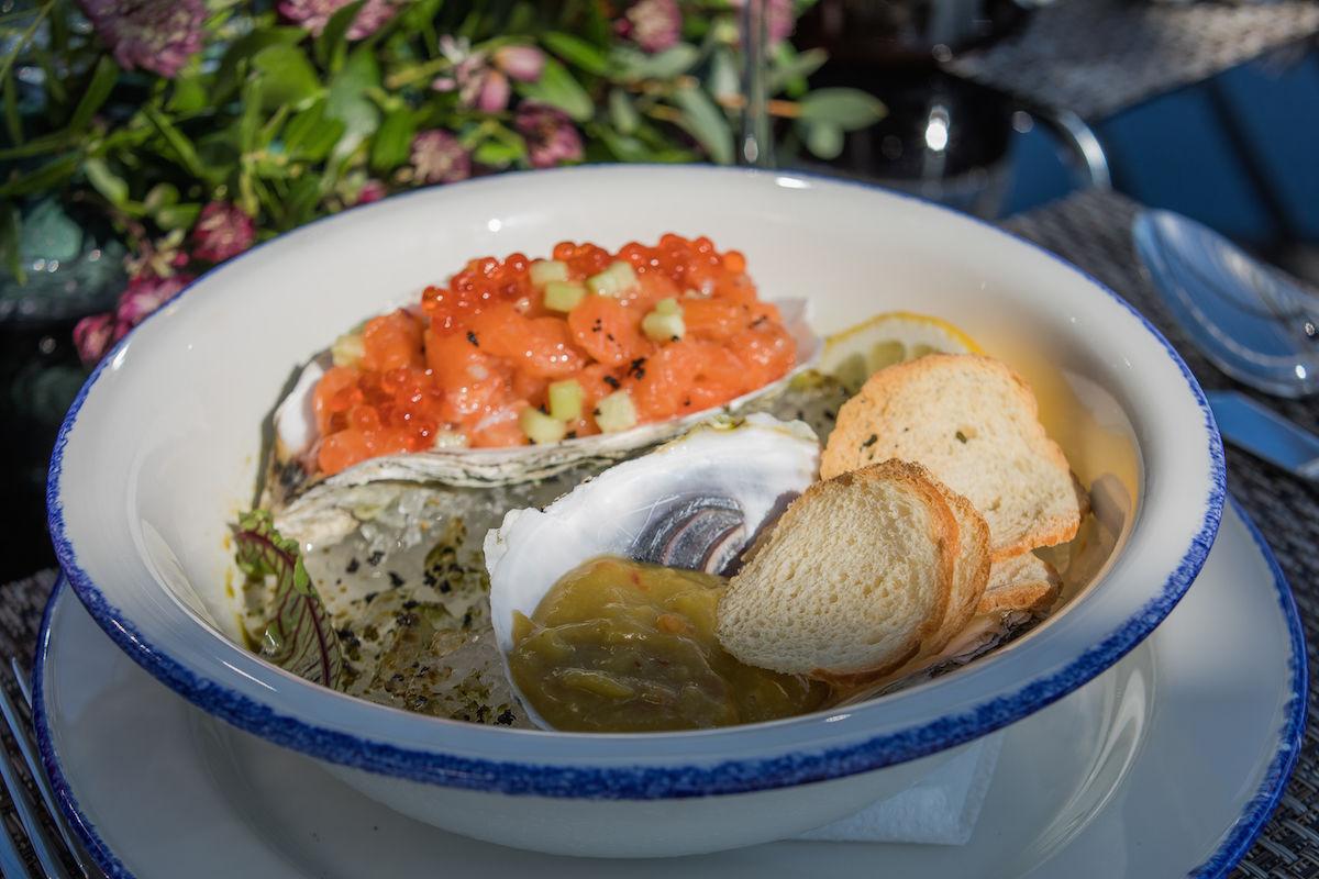 Тартар из лосося с гуакомоле