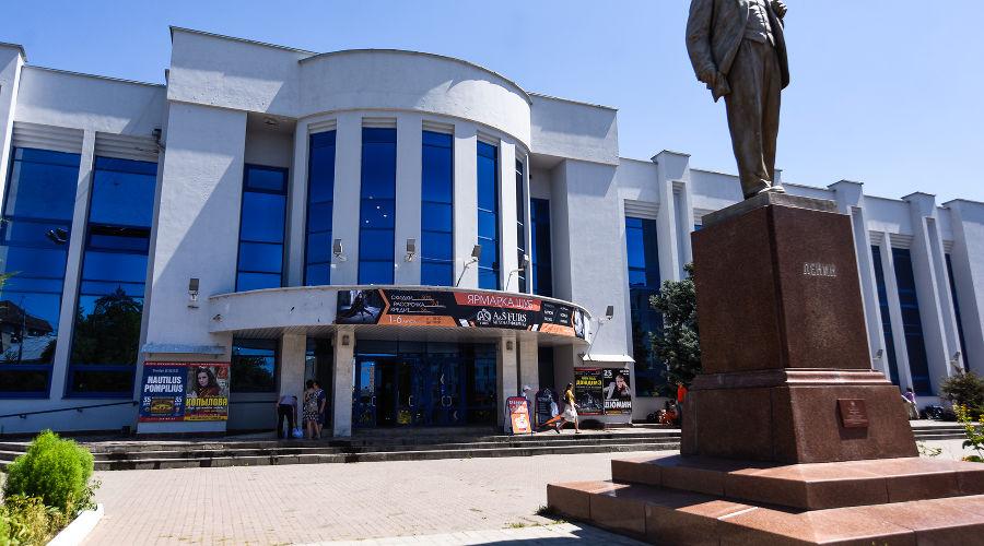 Дворец культуры железнодорожников © Фото Елены Синеок, Юга.ру