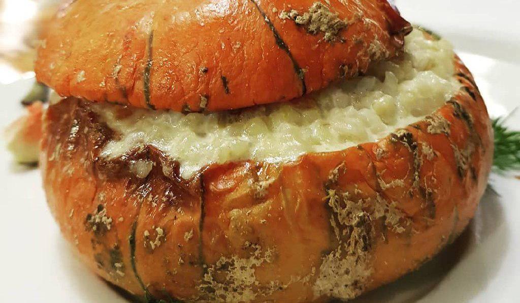 Тыква, запеченная с кашей ©Фото со страницы ресторана «Станъ» в инстаграме www.instagram.com/restoran_stan