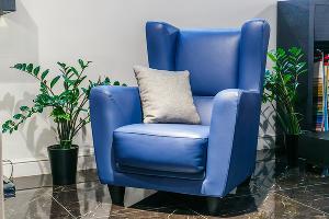 Кресло Estetica Velvet, коллекция «Ливерпуль» (Россия) ©Фото Михаила Чекалова, Юга.ру