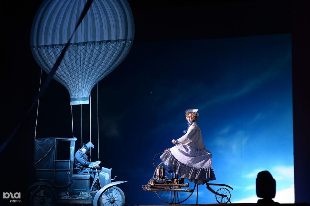 Опера «Гоголь. Чичиков. Души» ©Фото Михаила Ступина, Юга.ру
