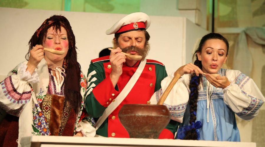 Спектакль «Каша из топора» © Фото из группы «Театр Драмы» «ВКонтакте» vk.com/dram_teatr
