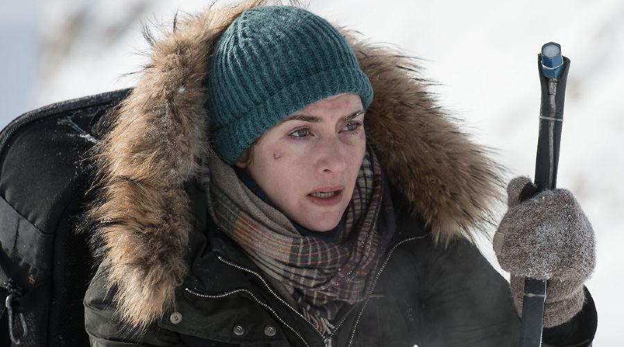 Кадр из фильма «Между нами горы» © Фото с сайта kinopoisk.ru