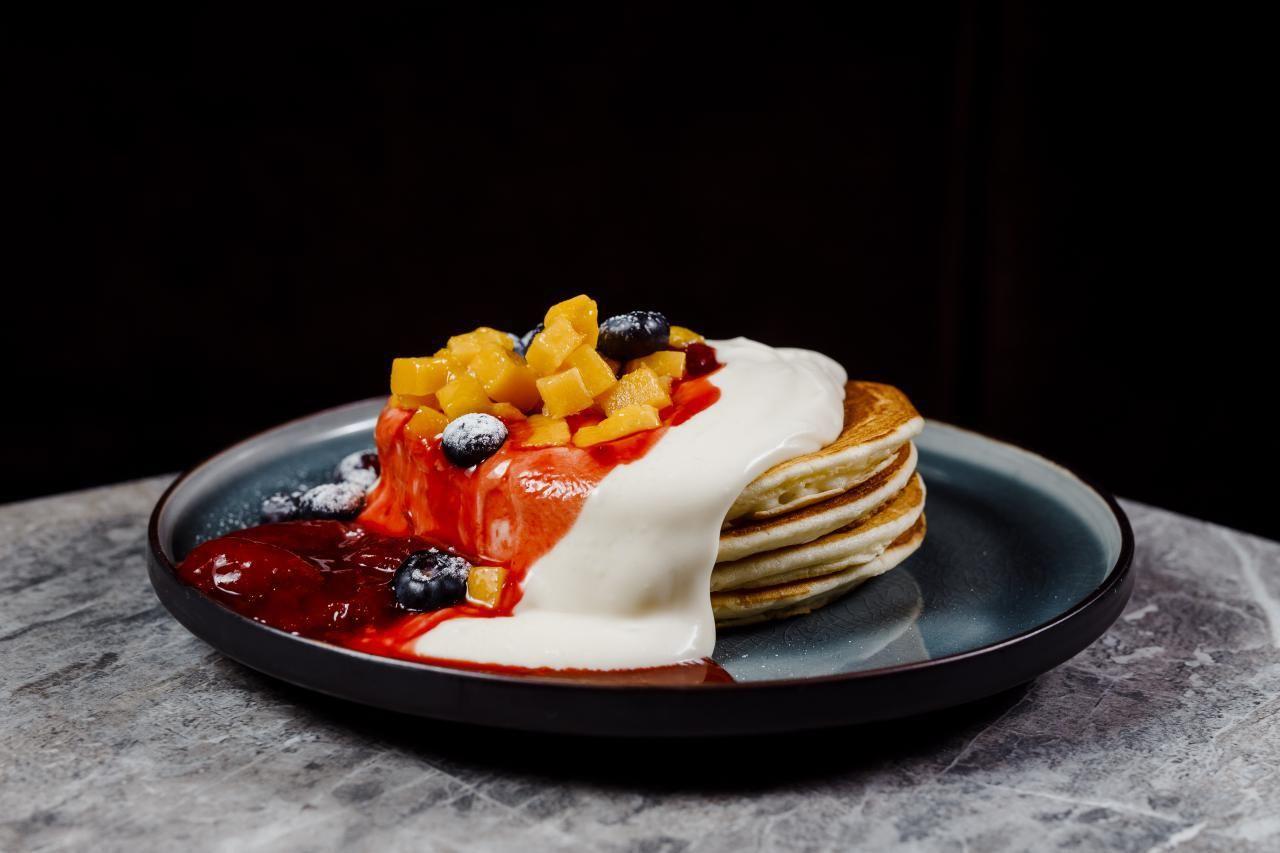 Панкейк со свежими ягодами ©Фотография предоставлена заведением
