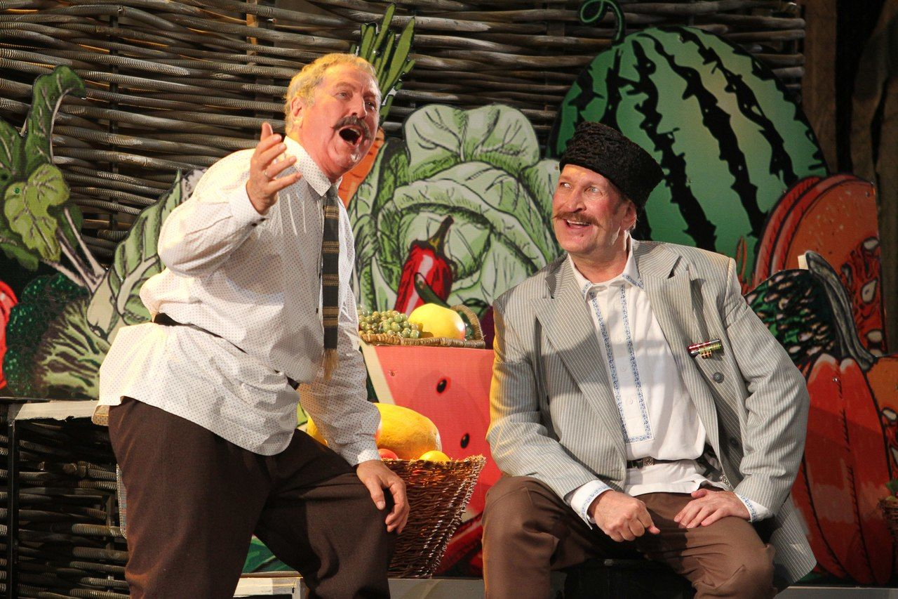 Кадр из спектакля «Кубанские казаки»