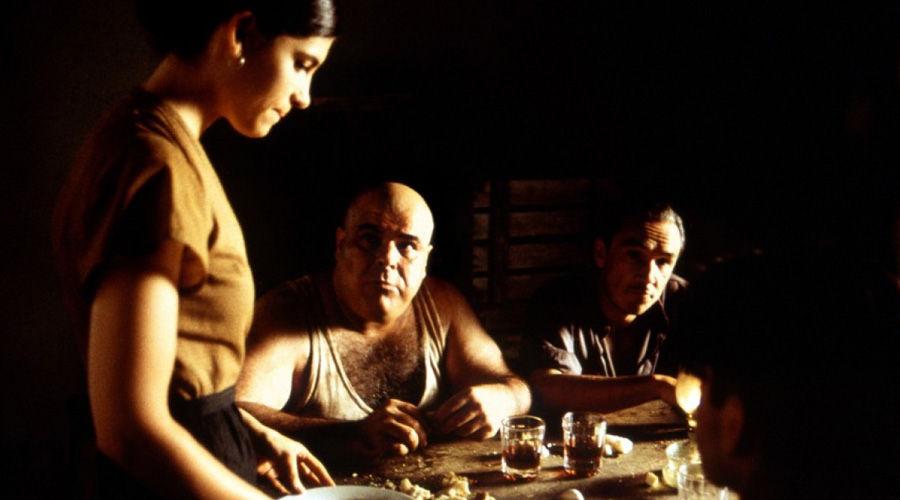 Кадр из фильма «Хребет дьявола»