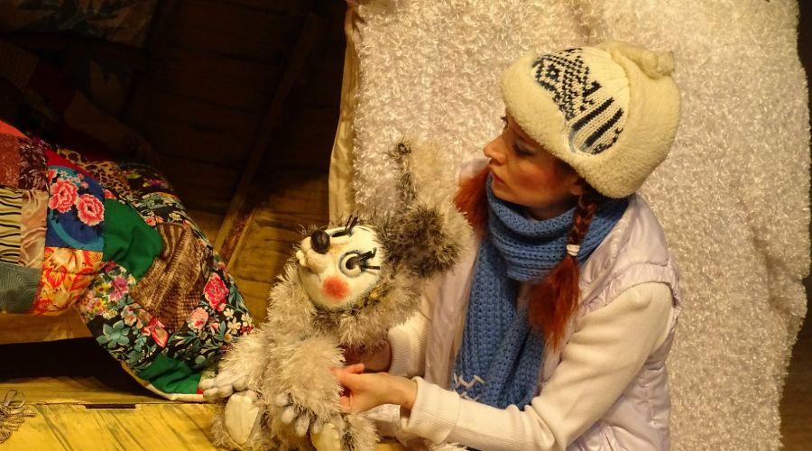 Спектакль «Снежный цветок» © Фото из группы «Краснодарский Краевой Театр Кукол» «ВКонтакте» vk.com/club14341436