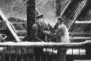 Кадр из фильма «Эта замечательная жизнь» ©Фото с сайта kinopoisk.ru