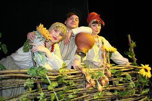 Спектакль «Казачьи байки» © Фотография предоставлена пресс-службой Краевого театра кукол