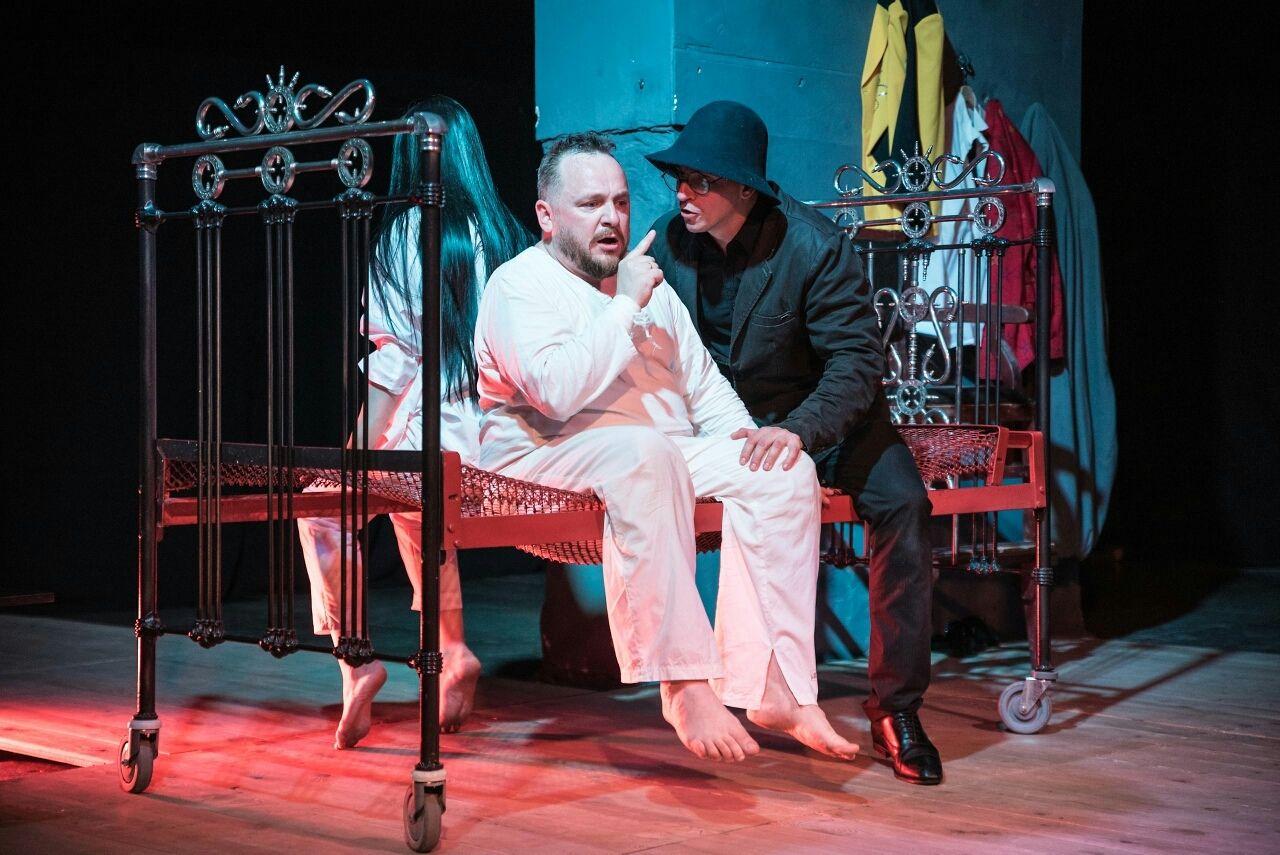 Спектакль «Когда Ницше плакал» ©Фото Алексея Лишуты