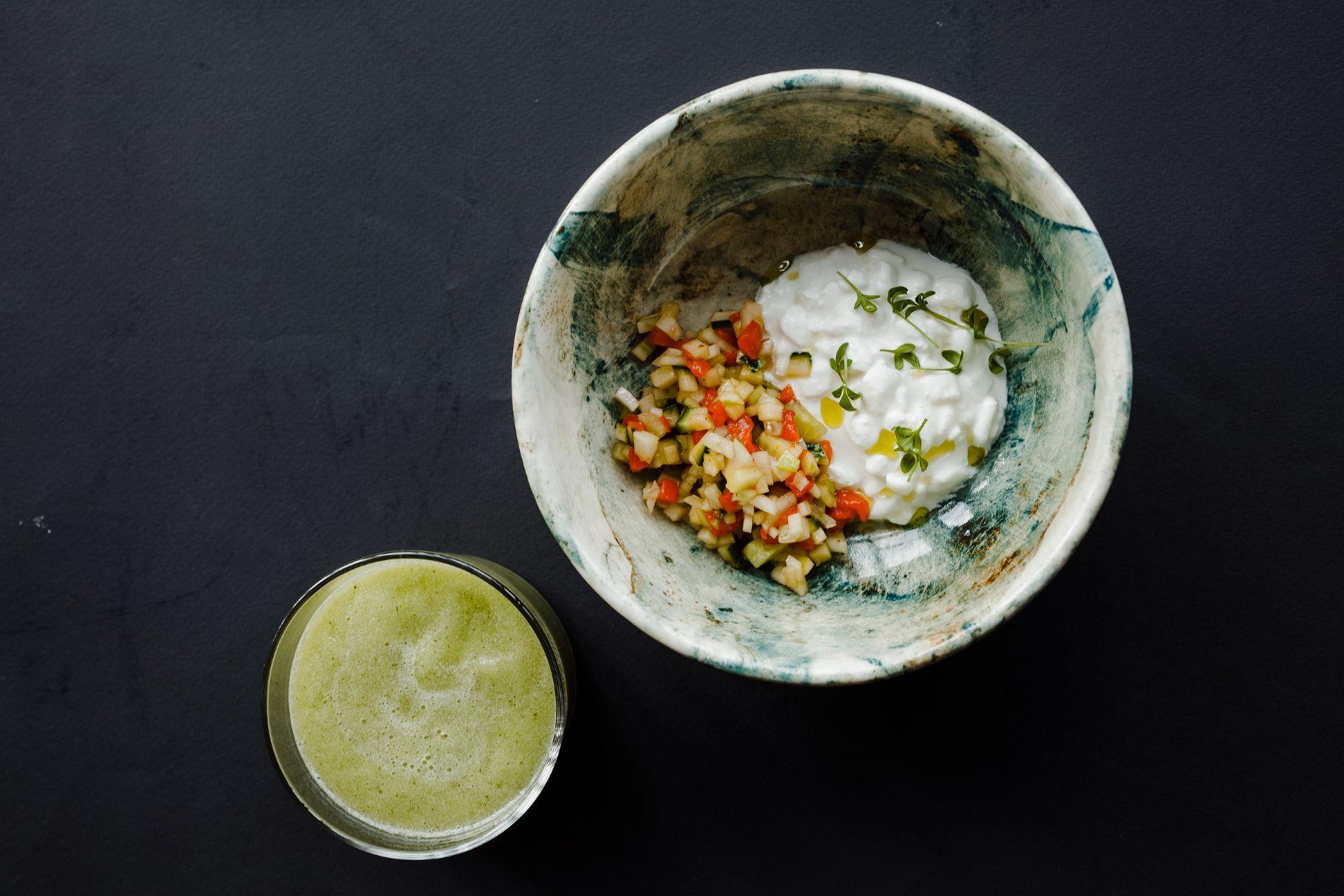 Холодный огуречный суп с мятой и мягким творогом ©Фотография предоставлена заведением