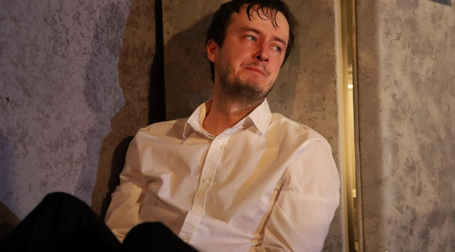 Кадр из спектакля «Утиная охота» © Фотография предоставлена пресс-службой Краснодарского театра драмы