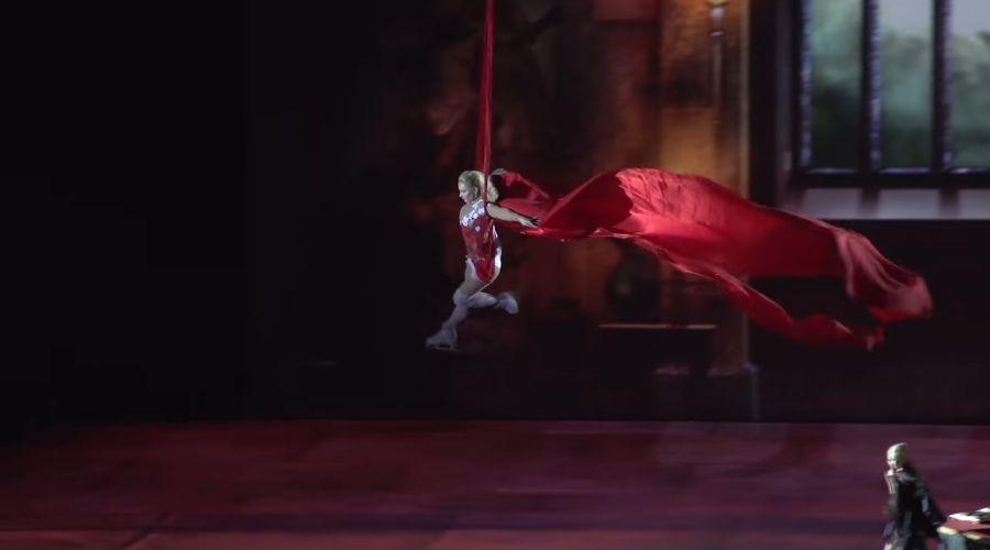 Кадр из мюзикла «Дракула. История вечной любви» © Скриншот видео с сайта youtube.com