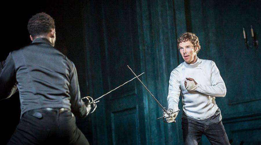 Кадр из спектакля «Гамлет» © Фото из группы «TheatreHD» «ВКонтакте» vk.com/theatrehd