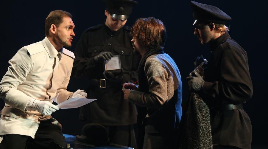 Спектакль «Бег» © Фото пресс-службы КМТО «Премьера»