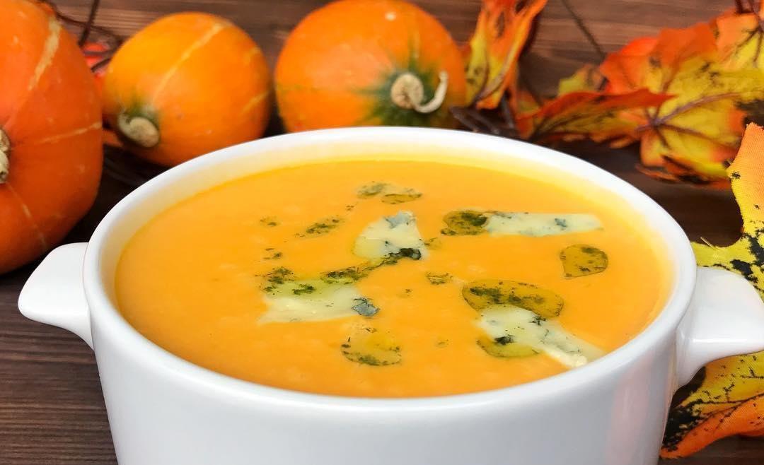 Тыквенный крем-суп с сыром с голубой плесенью