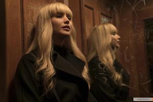 Кадр из фильма «Красный воробей» ©Фото с сайта kinopoisk.ru