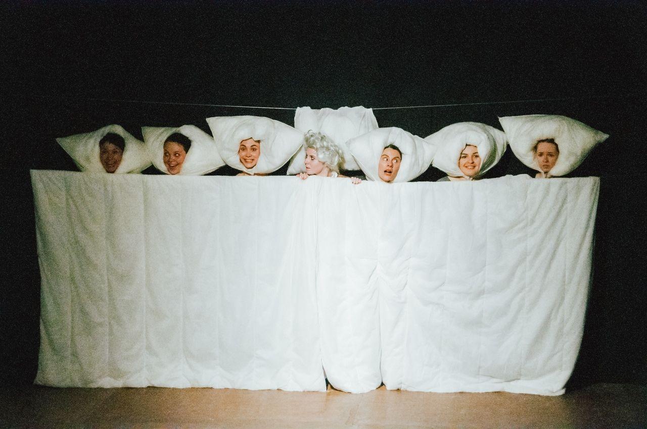 """Спектакль «Тошнота» ©Фото из группы «Театр """"Люди-Игры""""» во «ВКонтакте», vk.com/psyartstudio_peoplegames"""