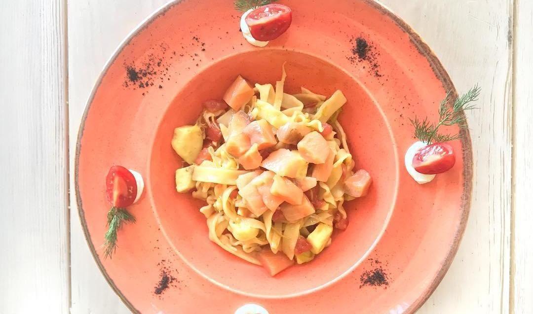 Паста с лососем ©Фото со страницы T-cafe в инстаграме www.instagram.com/tcafekrasnodar
