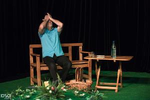 Спектакль «Флоранс» ©Фото Елены Синеок, Юга.ру