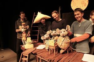 Спектакль «Все мыши любят сыр» © Фото из группы «Краснодарский Краевой Театр Кукол» «ВКонтакте» vk.com/club14341436