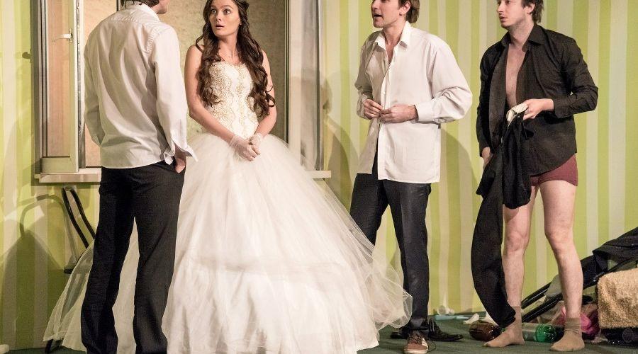 Невеста © https://vk.com/odin_teatr