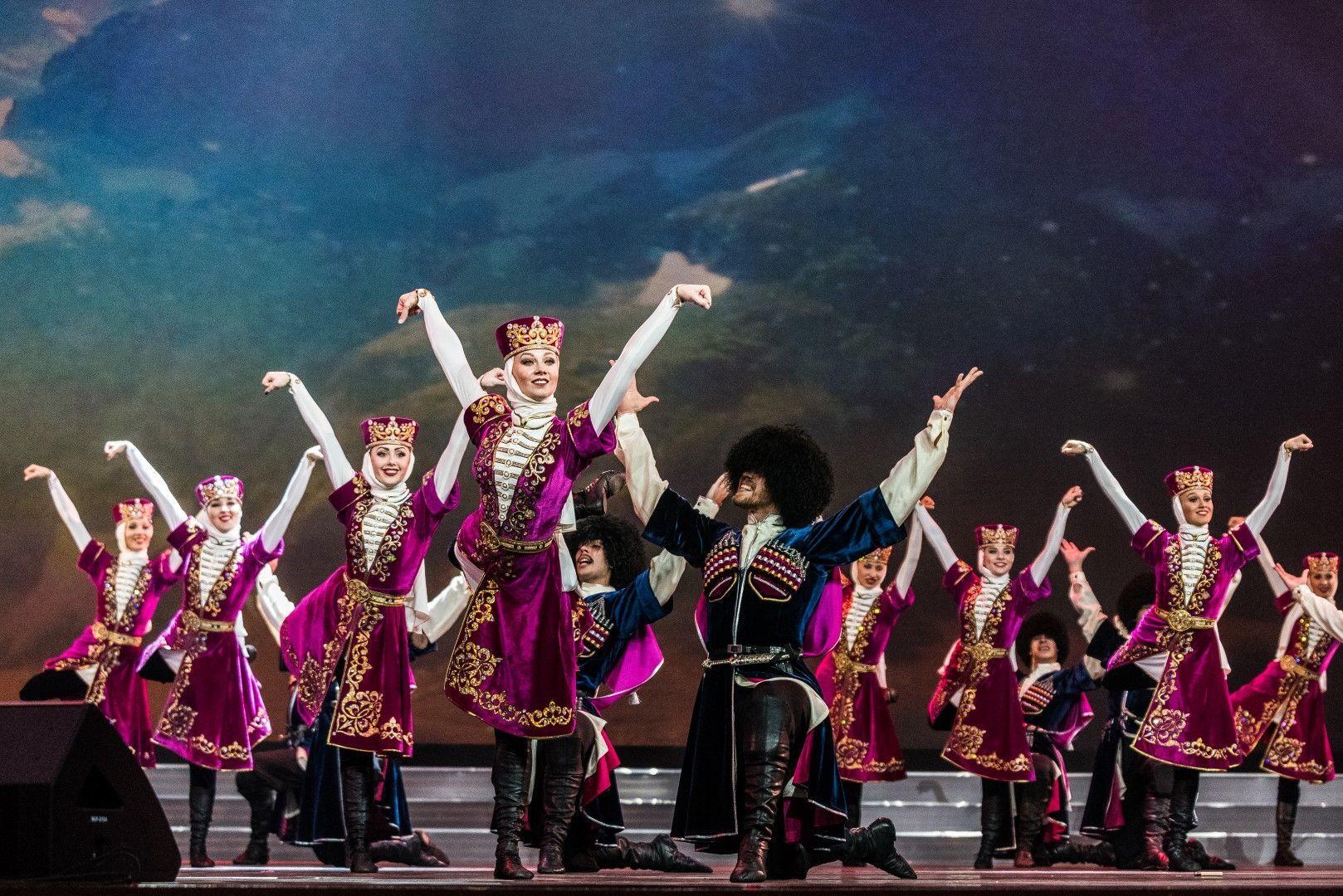 Ансамбль танца и песни «Кубанская казачья вольница» ©Фотография предоставлена пресс-службой краснодарской филармонии