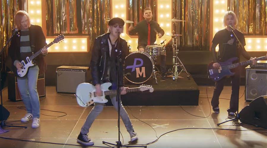 Пошлая Молли © Скриншот из видео «ЛОЛ» группы «Пошлая Молли», https://www.youtube.com/watch?v=UDiOCgjYZhw