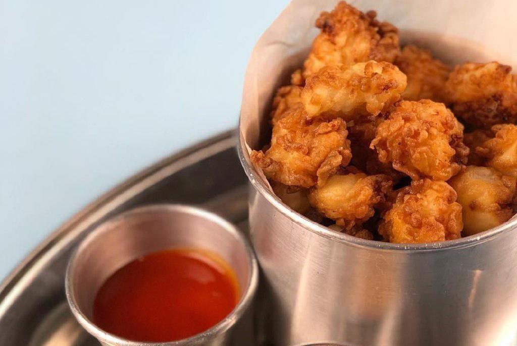 Куриный попкорн ©Фотография предоставлена заведением
