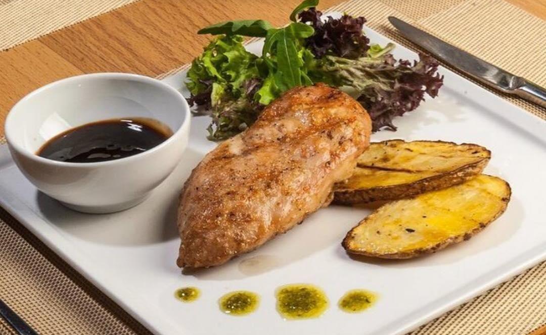Филе индейки гриль с картофелем и соусом терияки