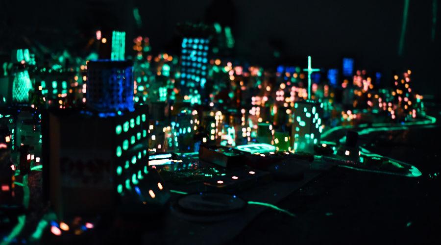Художественный проект Владимира Селезнева «Метрополис. Краснодар» в «Типографии» © Фото Елены Синеок, Юга.ру