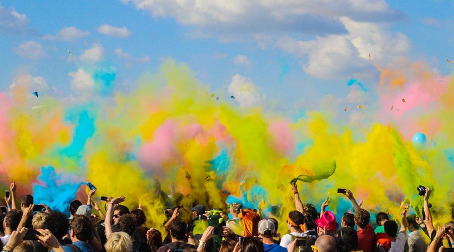 Фестиваль красок «Холи» © Фото с сайта pixabay.com
