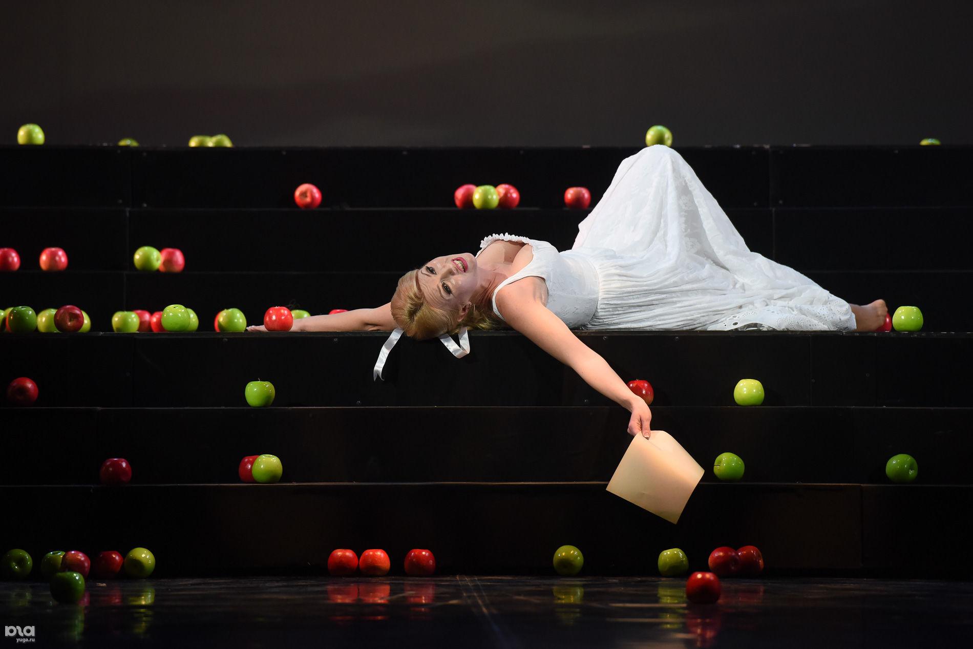 Опера «Евгений Онегин» ©Фото Елены Синеок, Юга.ру