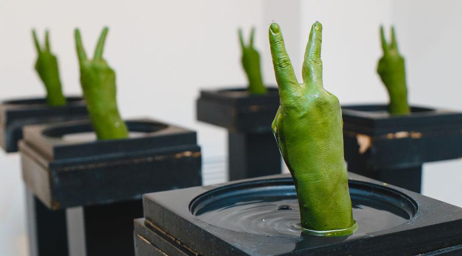 Выставка московского художника Сергея Катрана «Альфа, бета — Парадайз» в «Типографии» © Фото Юга.ру