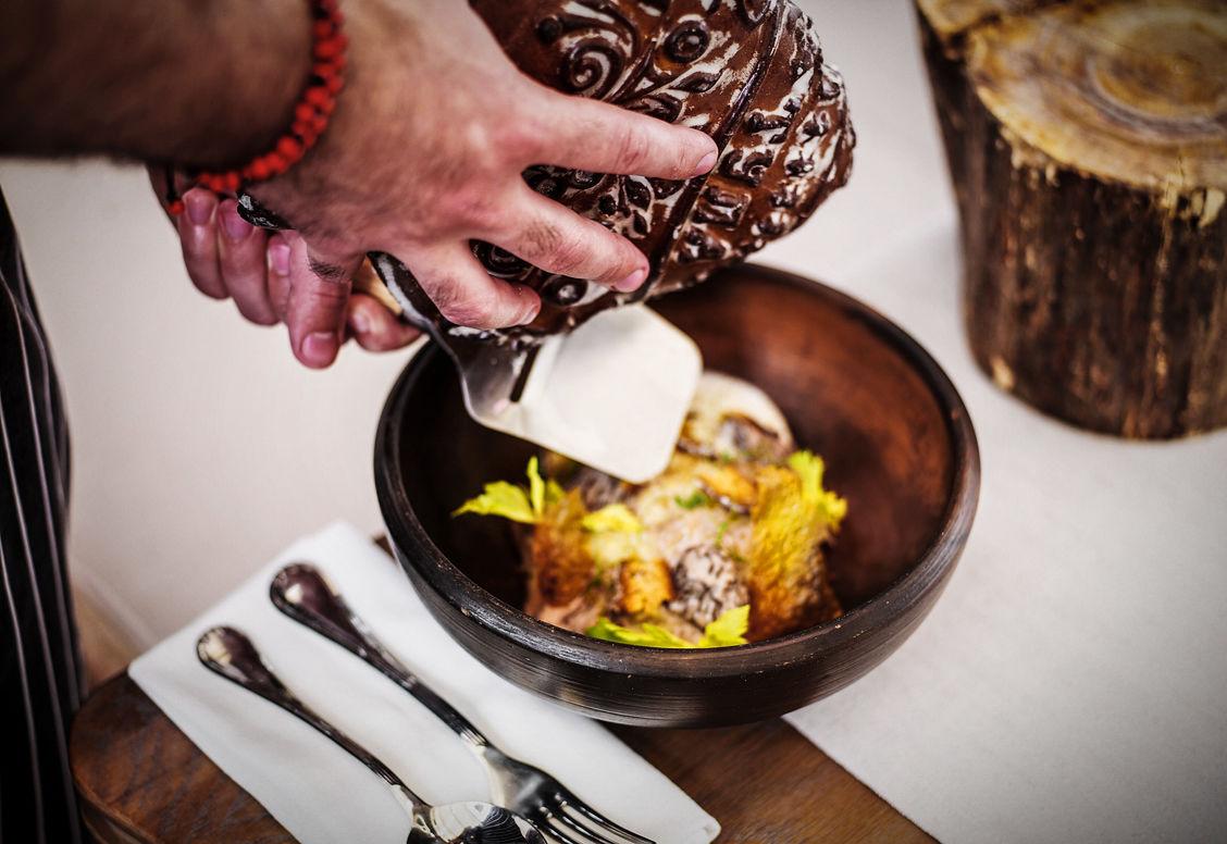 Ячневая каша с рябчиками, сморчками и тульским пряником, авторское блюдо Владимира Мухина