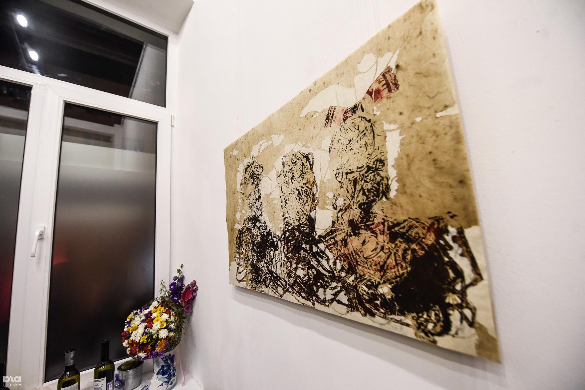 """Открытие галереи """"СмаГлюк"""" ©Фото Елены Синеок, Юга.ру"""