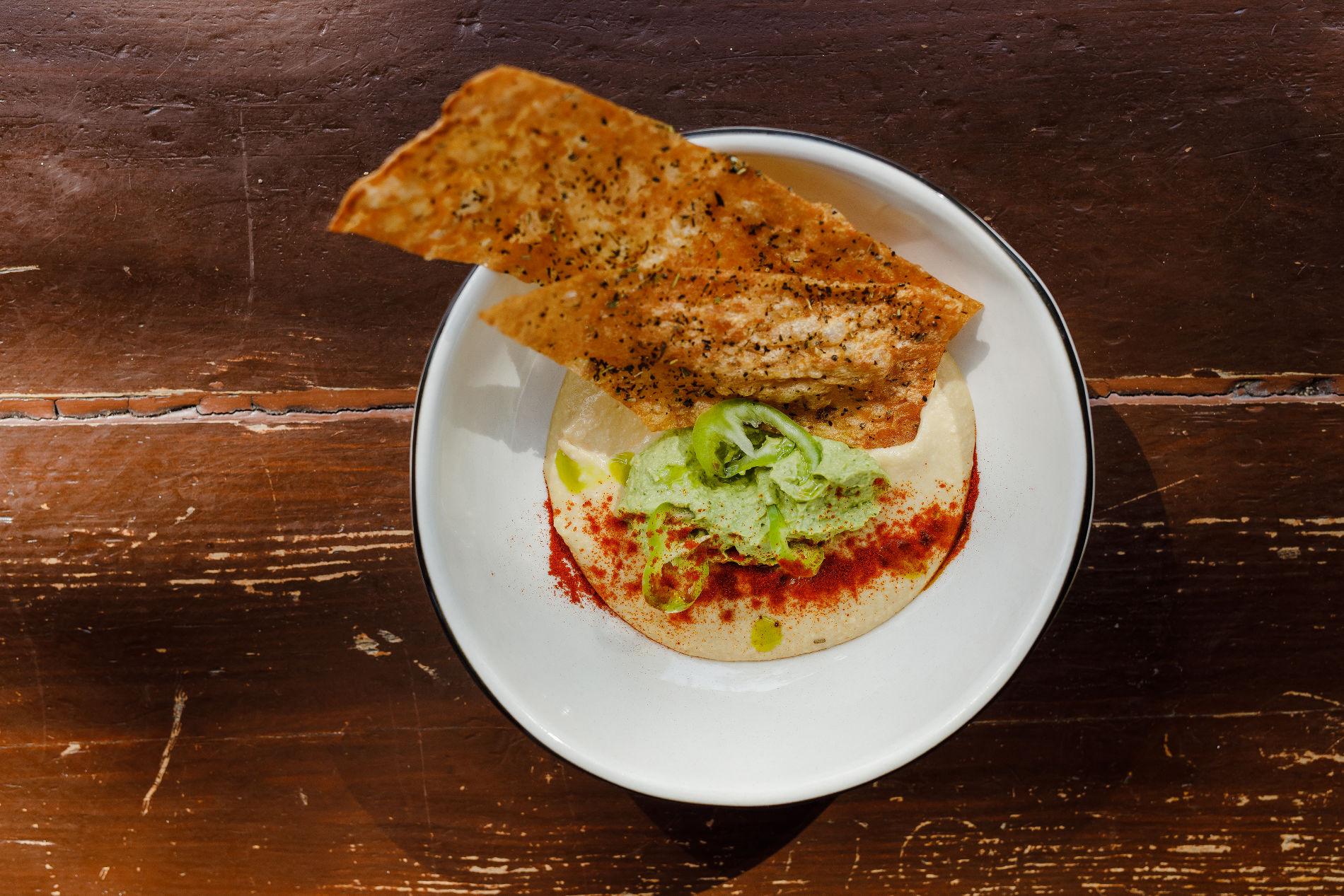Хумус с гуакамоле ©Фотография предоставлена заведением