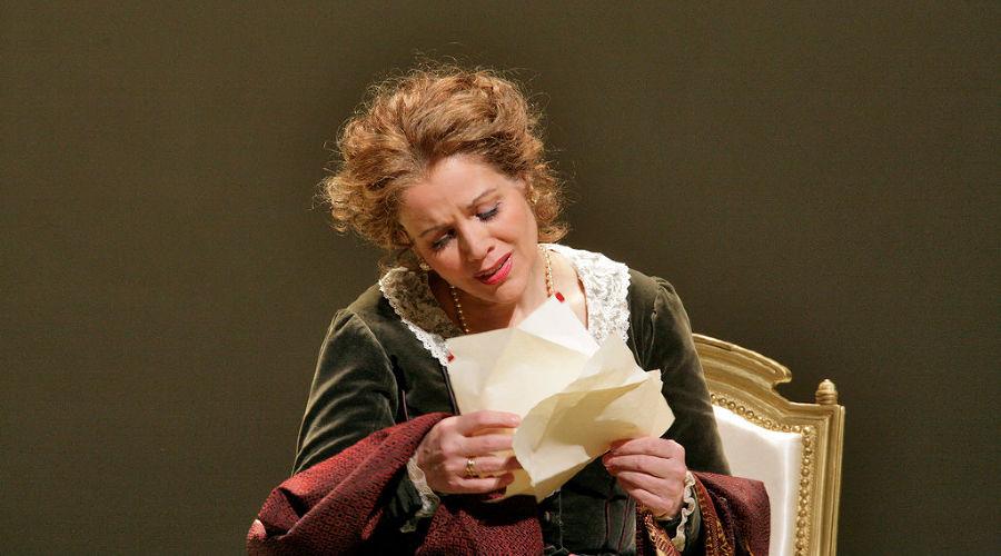 Кадр из оперы «Евгений Онегин» © Фото с сайта theatrehd.ru