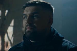 Баста © Скриншот видео с сайта youtube.com, Кадр из клипа на песню «Страшно так жить»