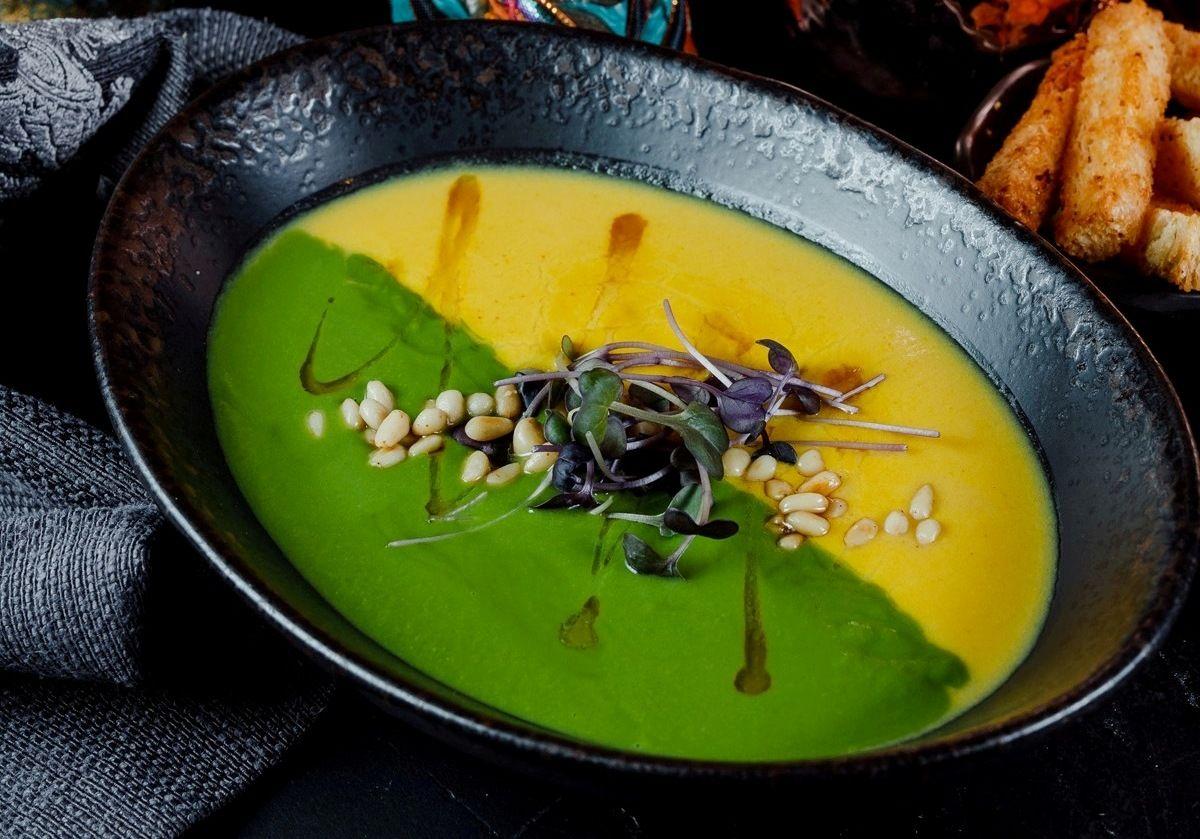 Суп-пюре из зеленого горошка и кукурузы ©Фотография предоставлена заведением