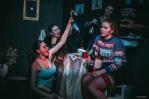 «Девушки в любви» ©Фото Вадима Балакина из группы Центра современной драматургии «Вконтакте» vk.com/dramacentre