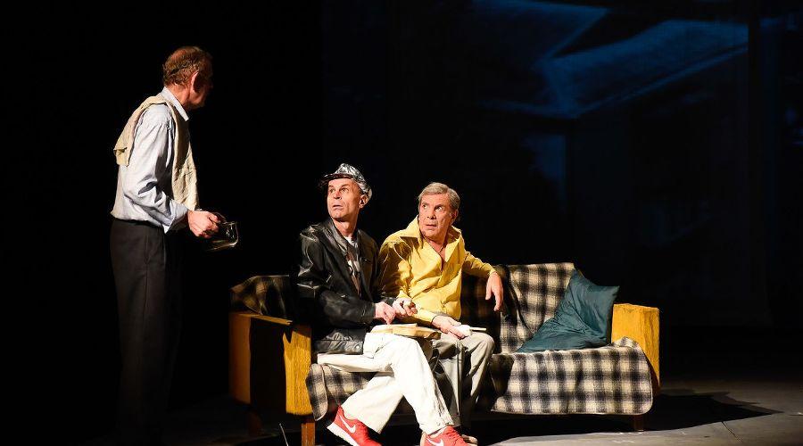 Спектакль «Крас place, или Место под солнцем в первом ряду» © Фото Елены Синеок, Юга.ру