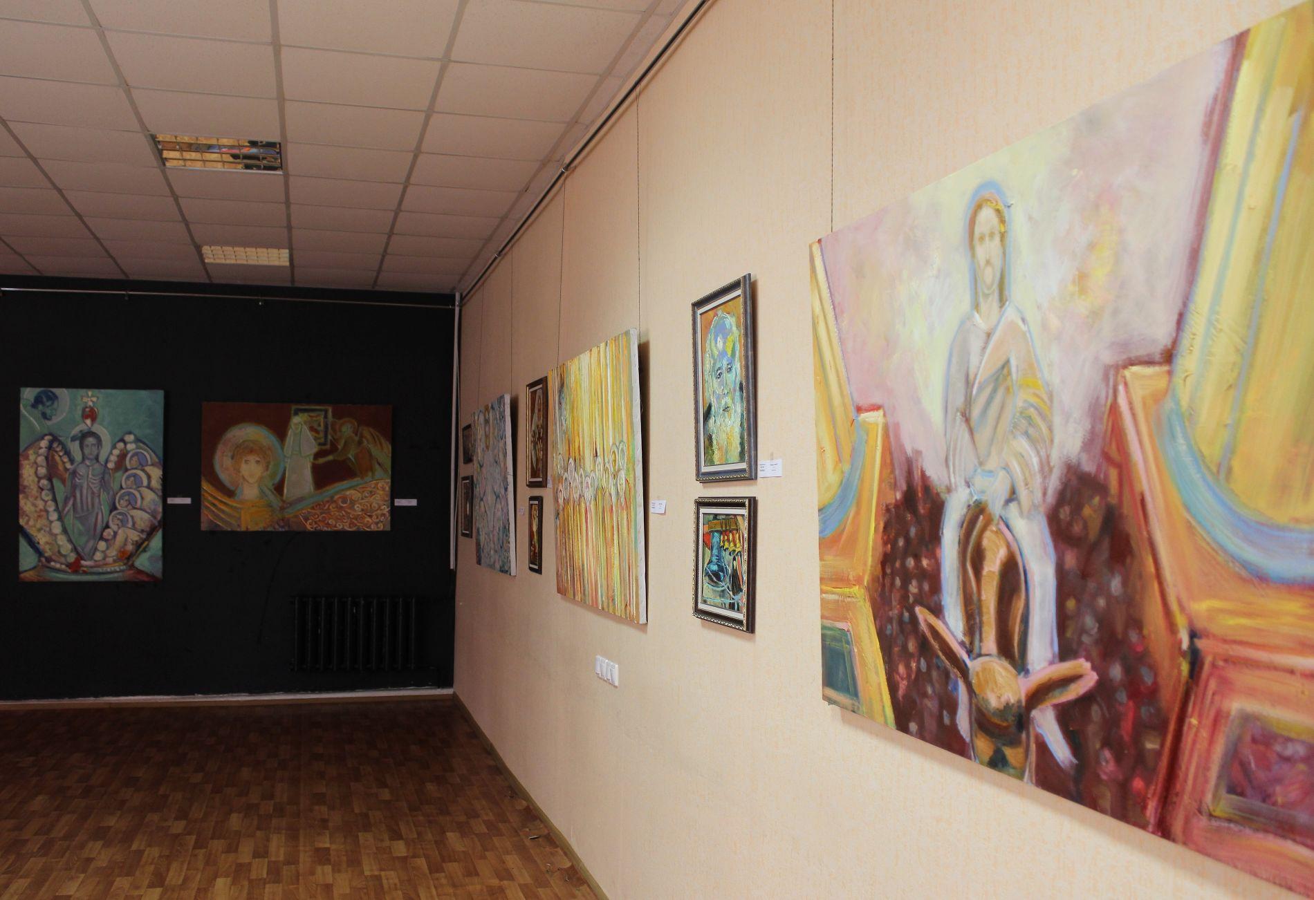 Выставка в галерее «Натан Галлери» ©Фотография предоставлена художницей Натан